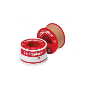 Leukoplast, 2.5cm x 4.6m . Με ισχυρή κολλητική ικανότητα και επικολλάται στο δέρμα και στη γάζα
