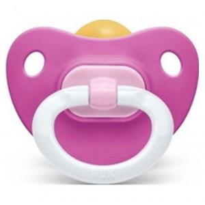 Nuk Classic Soft Πιπίλα Καουτσούκ με κρίκο για μωρά από 18-36 μηνών 1τμχ
